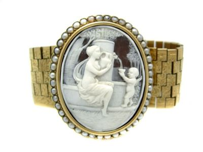 Cameo Bracelet 18kt Gold