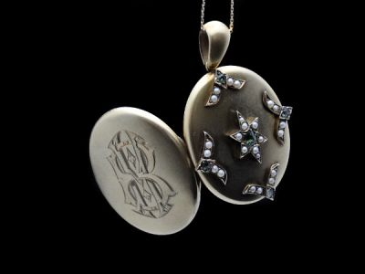 Locket Emerald and Pearls Victorian
