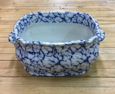 1-69702-June/Best of Toronto/Late Victorian Ironstone Sponge Decorated Blue and White Footbath