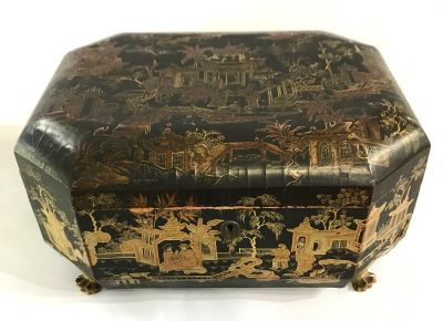 19th Century Chinese Export Lacquered   Gilded Box 6