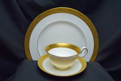 1a - Royal Crown Derby/Wedgwood - Ascot