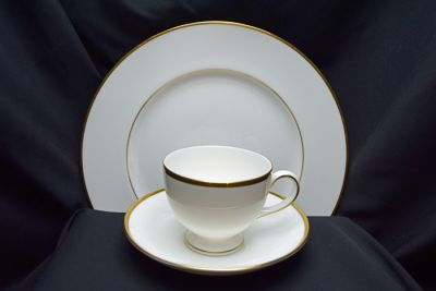 1a - Royal Crown Derby/Wedgwood Dinnerware - California
