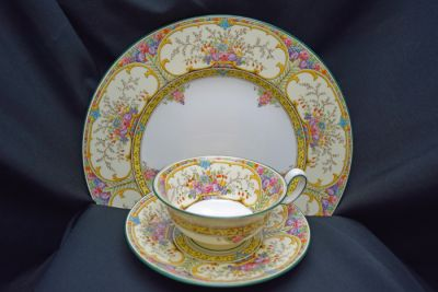 1a - Royal Crown Derby/Wedgwood Dinnerware - St Austrell