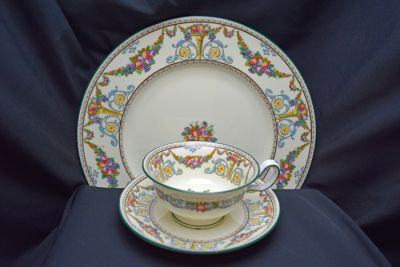 1a - Royal Crown Derby/Wedgwood Dinnerware - Ventnor