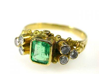 2014 CFA uploaded Oct-Dec/Emerald and Diamond Ring CFA1304495 71349
