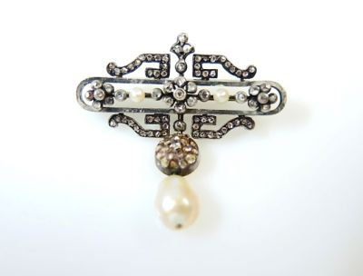 2015 ML Facets/2 Qtr/Art Deco Pearl and Diamond Brooch CFA1312251 74280
