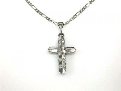 2015 ML Facets/2 Qtr/Diamond Cross with Chain CFA120698 68021