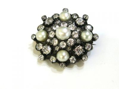 2015 ML Facets/2 Qtr/Victorian Pearl and Diamond Brooch CFA1402138 74833