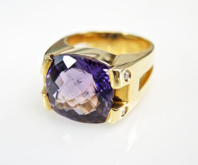 2015 ML Facets/3 Qtr/Modern Amethyst and Diamond Ring CFA150821 79859
