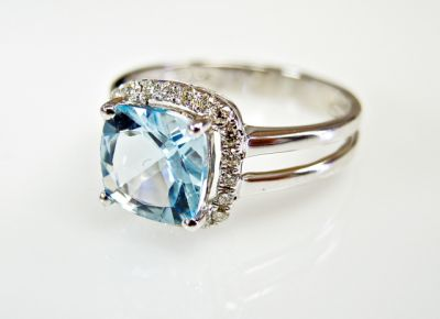 2015 ML Facets/3 Qtr/Modern Aquamarine and Diamond Ring CFA1505180 79438