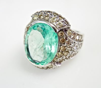 2015 ML Facets/3 Qtr/Vintage Emerald and Diamond Ring CFA150813 79851