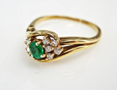 2015 ML Facets/3 Qtr/Vintage Emerald and Diamond Ring CFA150872 79922
