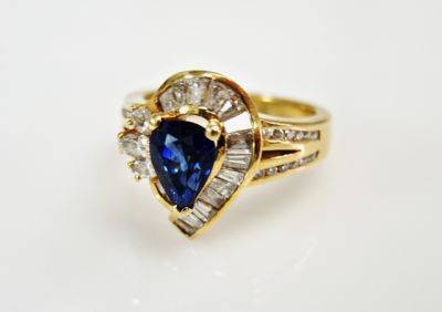 2015 ML Facets/4 Qtr/Vintage-Sapphire-and-Diamond-Ring-CFA1510100-80192