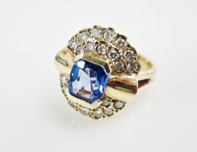 2015 ML Facets/4 Qtr/Vintage Sapphire and Diamond Ring CFA1508319 80040