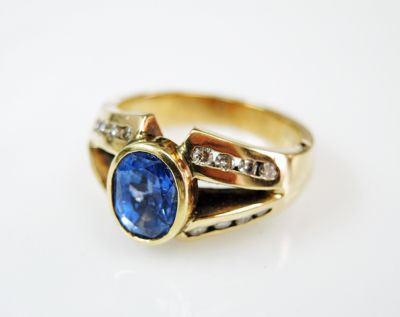 2015 ML Facets/4 Qtr/Vintage Sapphire and Diamond Ring CFA1508338 80056
