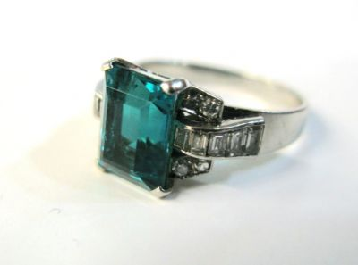 2015 other appraisers/Art Deco Emerald and Diamond Ring HWL6713