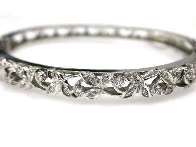 Diamond Floral Hinged Bangle Bracelet