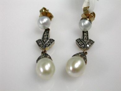 65168-November/Pearl Drops Cynthia Findlay Antiques CFA1103100