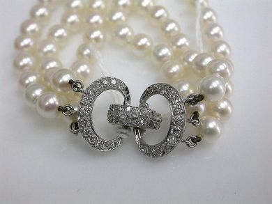 65510/Triple Strand of Pearls Cynthia Findlay Antiques CFA110731