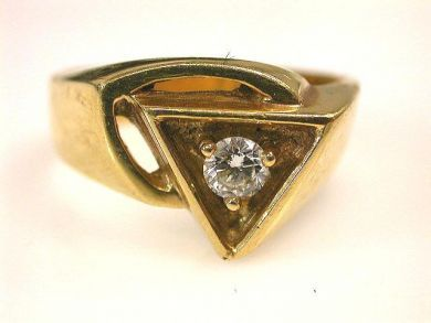 66711-January/Unique Diamond Ring Cynthia Findlay Antiques CFA1112302