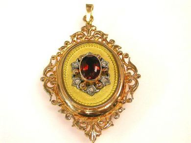 66849-January/Gernet Locket Cynthia Findlay Antiques CFA120137