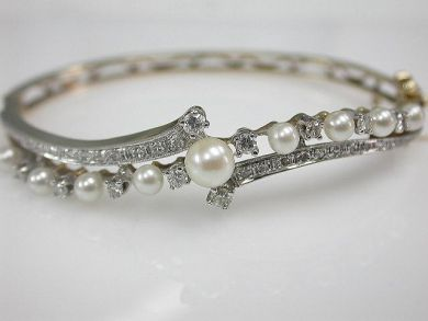 66984-April/Pearl and Diamond Bracelet Cynthia Findlay Antiques CFA1203117