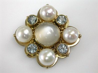 67425-April /Moonstone Brooch Cynthia Findlay Antiques CFA1205154