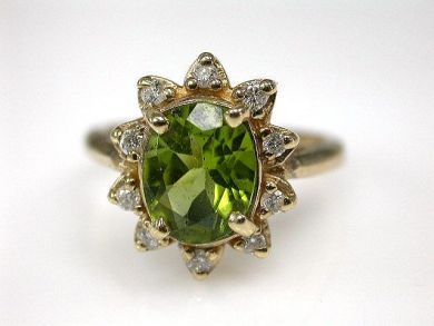 67425-April /Peridot Cluster Ring Cynthia Findlay Antiques CFA120439