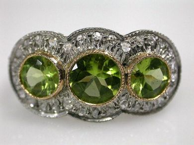 67425-April /Peridot Ring Cynthia Findlay Antiques CFA120566