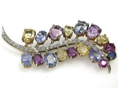 67425-April /Sapphire Brooch Cynthia Findlay Antiques CFA120444