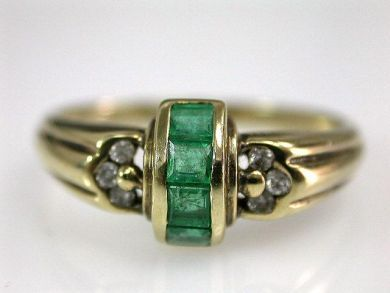 67528-Emeralds/Emerald Ring Cynthia Findlay Antiques CFA120517
