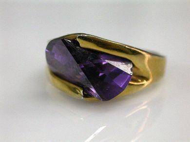 67700-June/Amethyst Ring Cynthia Findlay Antiques CFA1205358