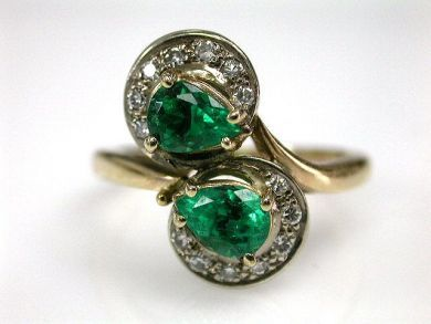 Toi et Moi Emerald and Diamond Ring