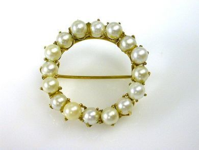 67948/Pearl Brooch Cynthia Findlay Antiques CFA1111194