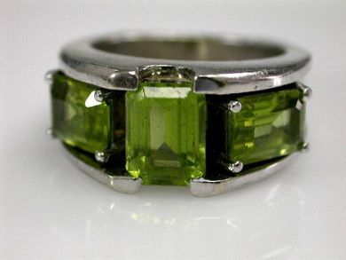 68450-August/Peridot Ring Cynthia Findlay Antiques CFA1207222