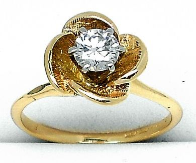 69010-October/Floral Diamond Ring Cynthia Findlay Antiques 092212 2