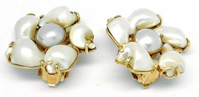 69010-October/Pearl Cluster Earrings Cythia Findlay Antiques 092912 57