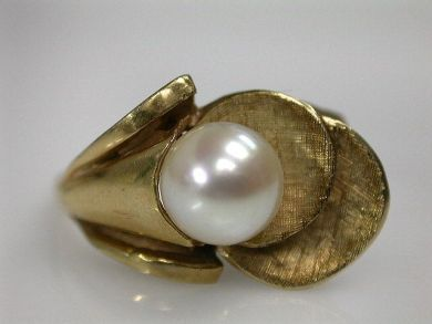 69200-November/Pearl Ring Cynthia Findlay Antiques CFA1210228