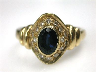 69200-November/Sapphire Ring Cynthia Findlay Antiques CFA1210220