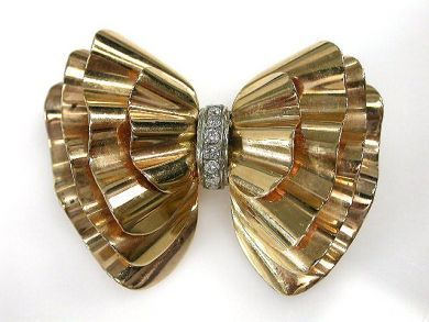 69462-January/Retro Bow Cynthia Findlay Antiques CFA1211174
