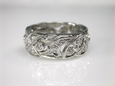 70080-January/Diamond Band Cynthia Findlay Antiques CFA1212397