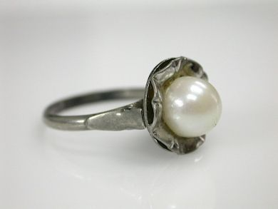 70326-February/Pearl Solitaire Cynthia Findlay Antiques CFA1301247