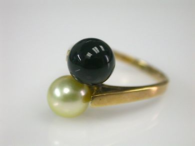 70397-February/Pearl and Onyx Ring Cynthia Findlay Antiques CFA130217