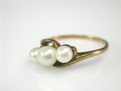 70397-February/Three Pearl Ring Cynthia Findlay Antiques CFA130213