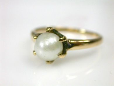 Vintage Pearl Solitaire Ring