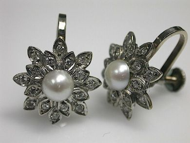 70649-March/Pearl and Diamond Earrings Cynthia Findlay Antiques CFA1302287