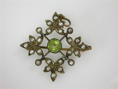 70857-March/Antique Peridot Pendant Cynthia Findlay Antiques CFA1303211