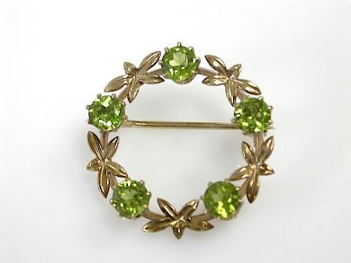 70887-March/Peridot Wreath Brooch Cynthia Findlay Antiques CFA1303293
