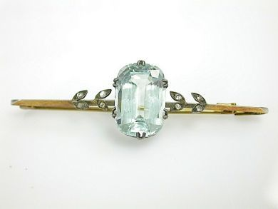 70925-April/Aquamarine Brooch Cynthia Findlay Antiques CFA1303320