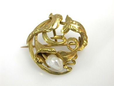 71174-April/Freeform Brooch CFA1304201